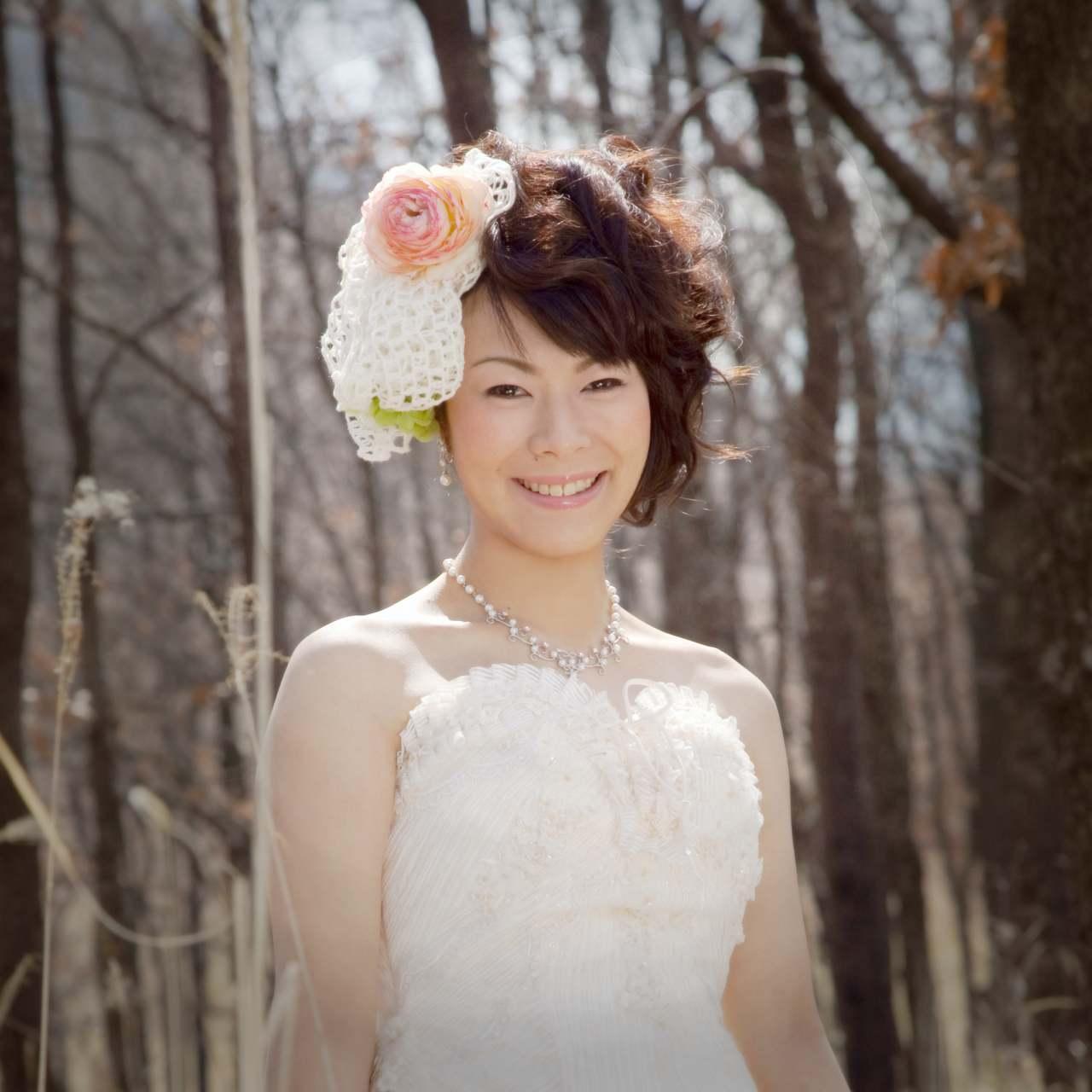 ホテルグリーンピア南阿蘇上の森のなかでの前撮り写真ウエディングドレス