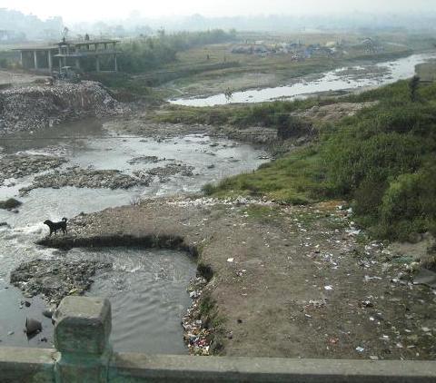 バグマティ川 104