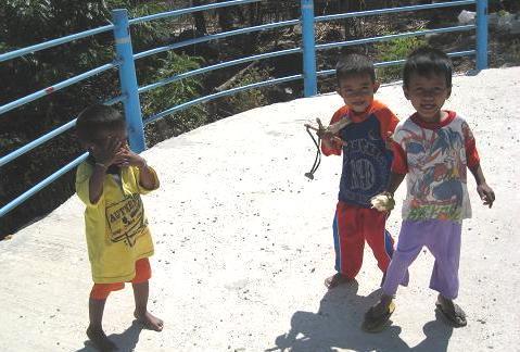 漁村の子供 137