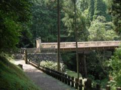 7橋台石垣と曳橋