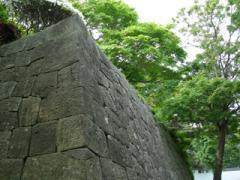 33.入口付近の城壁