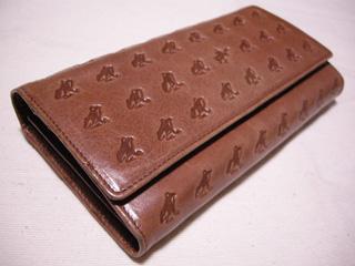 1.カエルの長財布