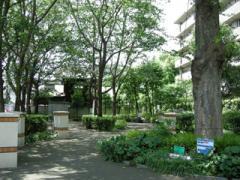 4.烏山下宿広場