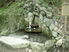 13.義経息継ぎの井戸