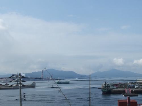 実家の屋上から瀬戸内海を望む