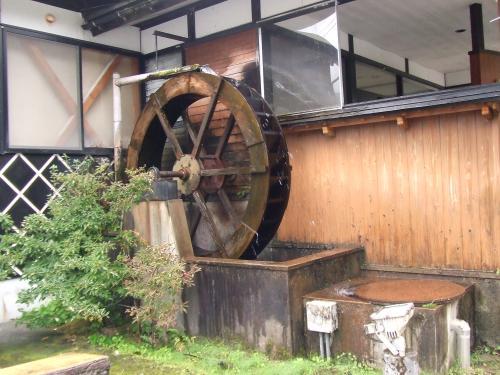 水車のある蕎麦屋さん