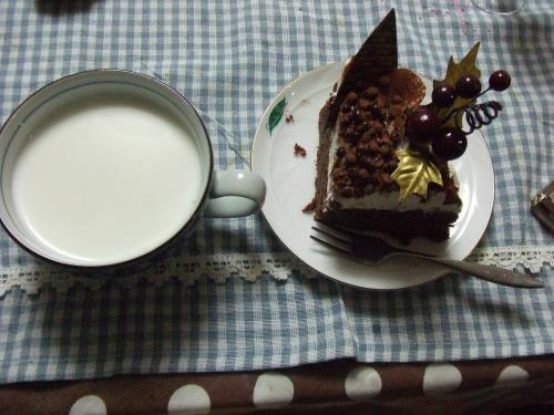 ホットミルクと・・・