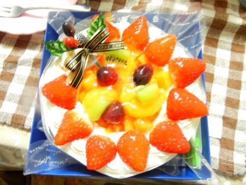 タカキベーカリーフルーツいっぱいケーキ