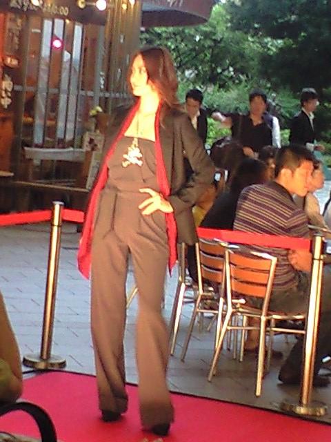 ファッションショー08 10