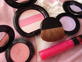 ピンクのコスメ