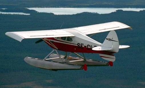 これは、PA-22のSeaplane....