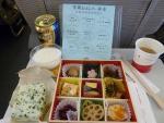 2010/8/24昼食 JL81便(羽田-上海)にて