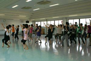 中国の踊りをみんなで