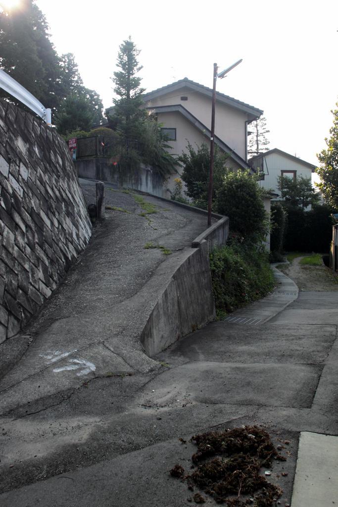 飯田市宮の前の小さな坂道