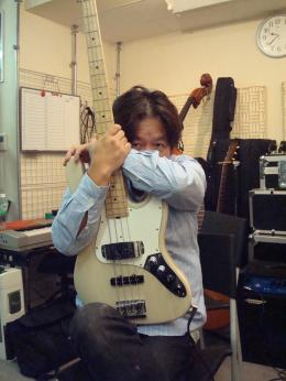 ベースの山田さん