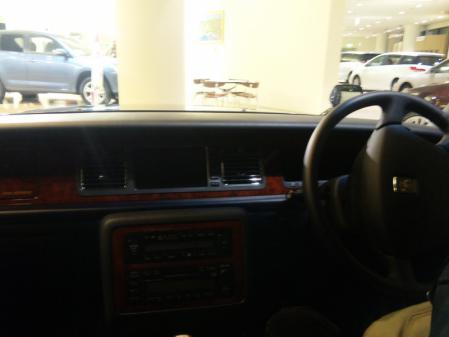 センチュリーの車内