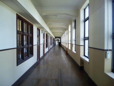 2F廊下!
