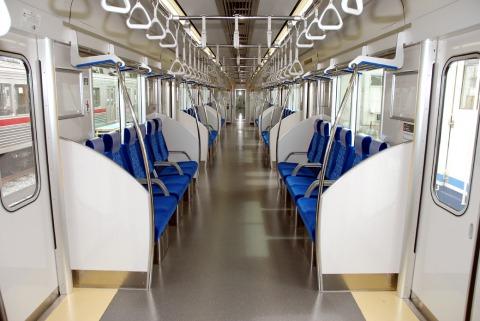 東武50090系車内(ロングシート時)