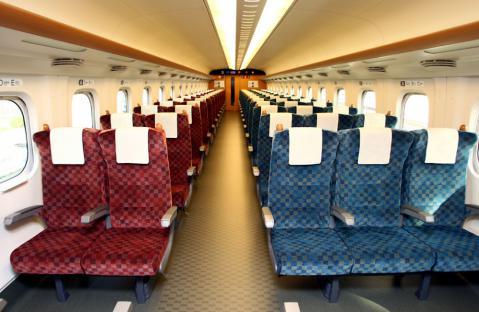 普通自由席(7000番台)