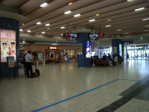 JR岐阜駅に似てるかも・・・