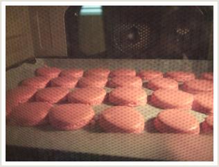 オーブンで焼いてます