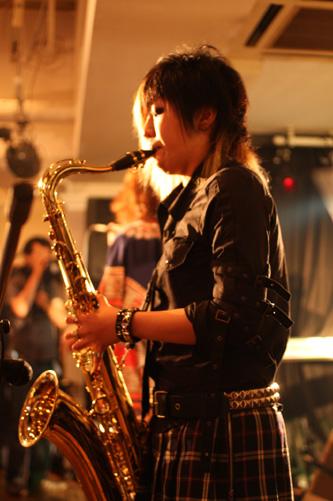 live-2.jpg
