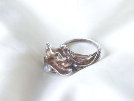 シリンジとダイクロガラスのリング1