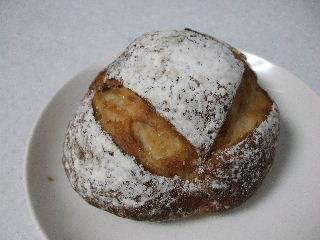200803たねジャガイモのパン1
