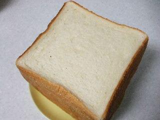 201111B&C食パン1
