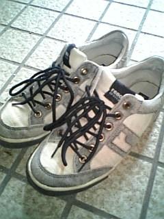 この靴で夏コミも行きたかったです。(´・ω・`)