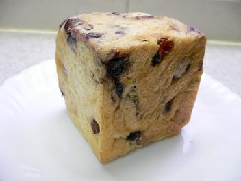 ベリー&レーズンキューブ食パン@たもりん (1)