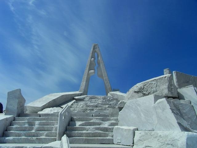 15耕三寺 未来心の丘