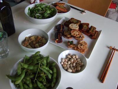 写真:ベランダビオトープの食事