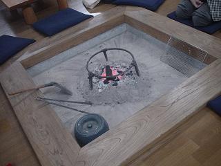 コムニタの囲炉裏