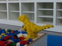 ブロック遊びで恐竜。リアルでしょ?