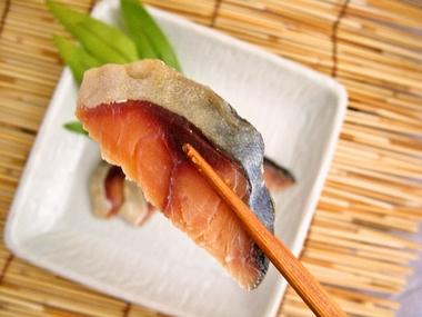 さば糠漬(箸)a