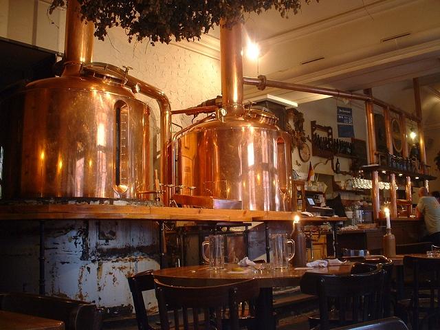 ビアホール内醸造設備