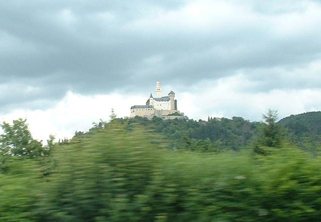 車窓からマルクスブルク城