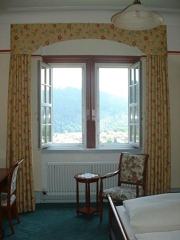 古城ホテル客室窓