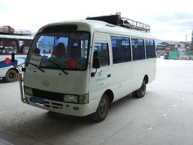 剣川行きバス