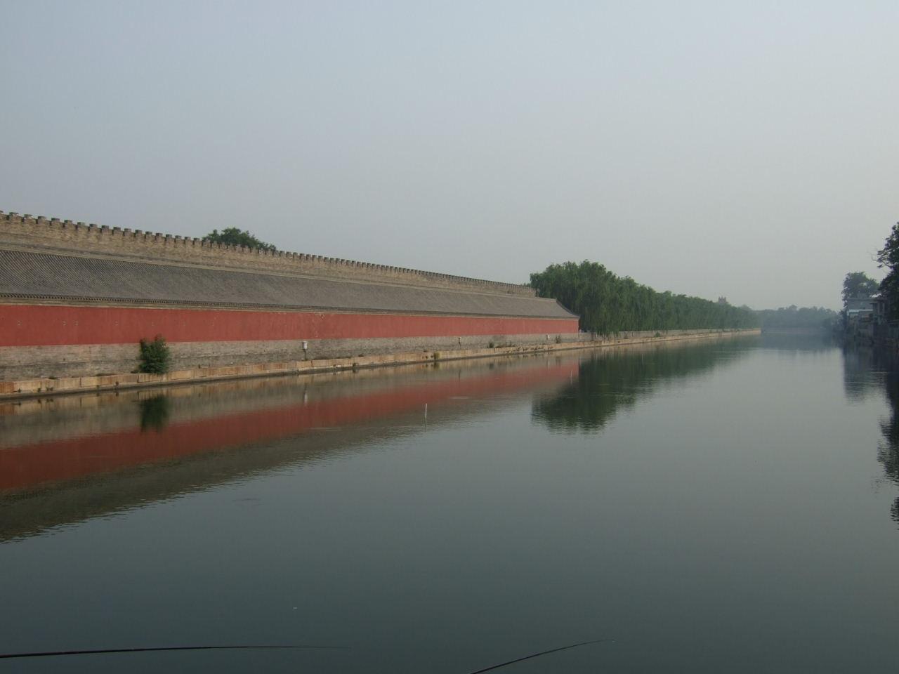 東華門外の堀