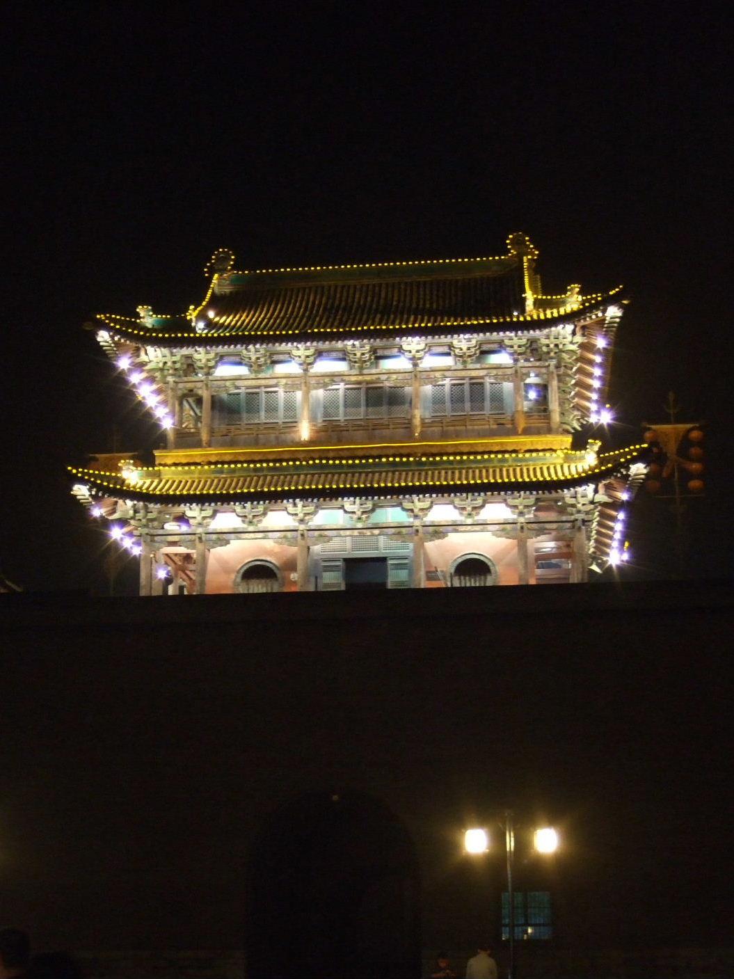 143西城門夜景