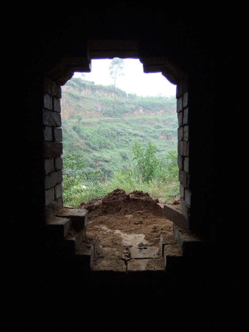 張壁地下道窓