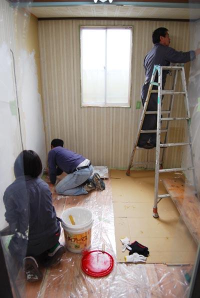 壁塗り中1