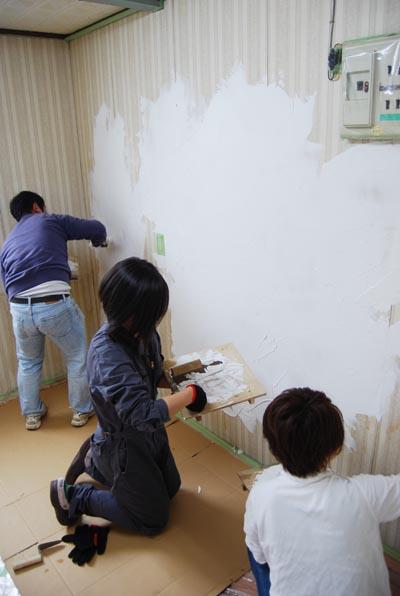 壁塗り中2