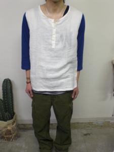 ヘンリーネックシャツ?Tシャツ??