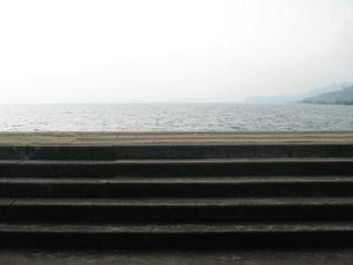 海に登る階段