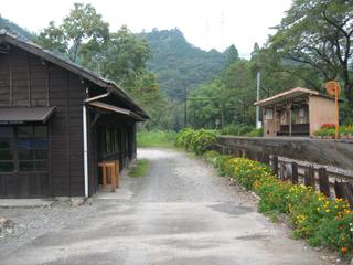 青部駅(2)