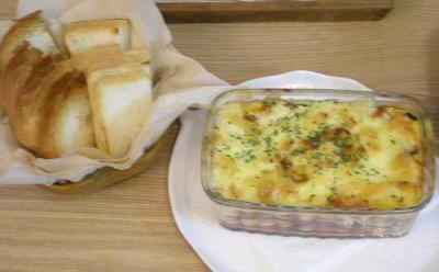チーズたっぷり!茄子とトマトのグラタン!パンと一緒に!2008.8.25