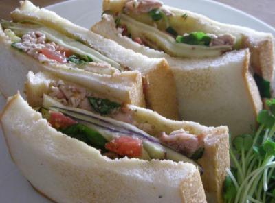 具がたっぷり!野菜たっぷり!贅沢サンドイッチ!2008.9.12